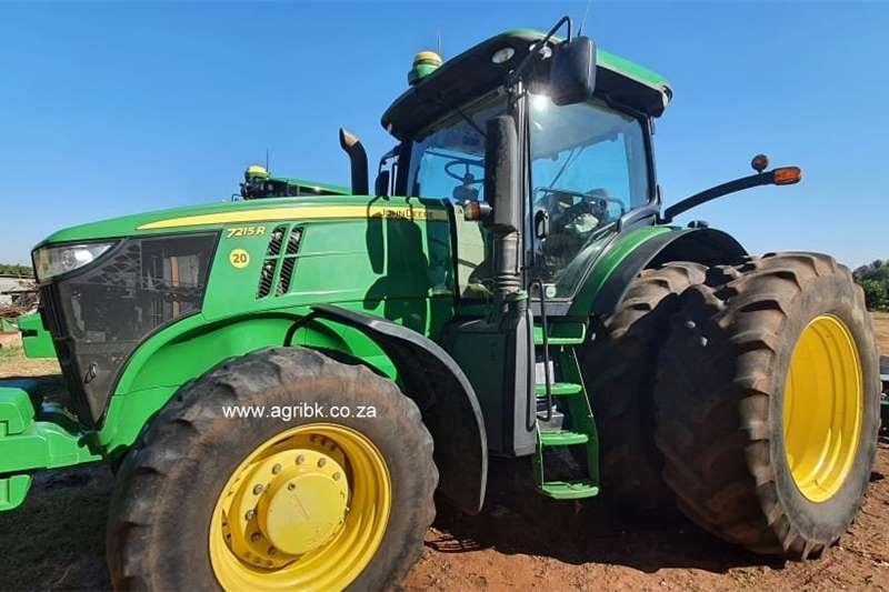 4WD tractors John Deere 7215 R Tractors