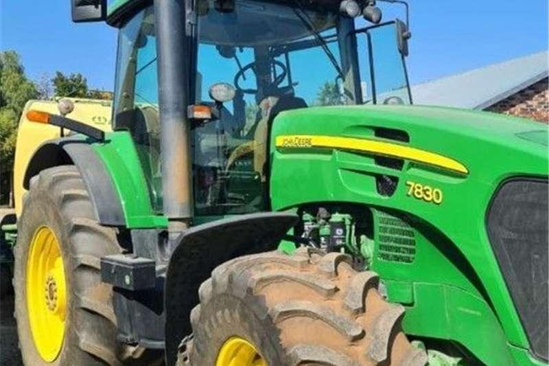 4WD tractors John Deere 7830 en Krone 1290 Tractors