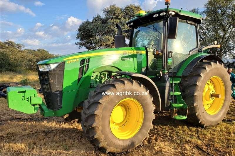Tractors 4WD tractors John Deere 8245 R 2019