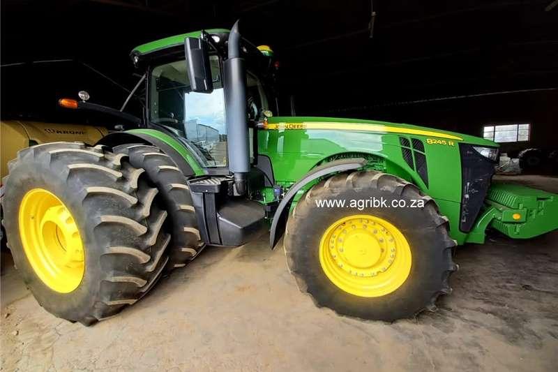 4WD tractors John Deere 8245 R Tractors