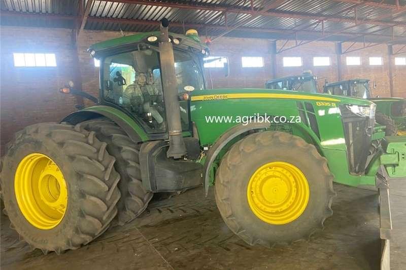 4WD tractors John Deere 8335 R Tractors