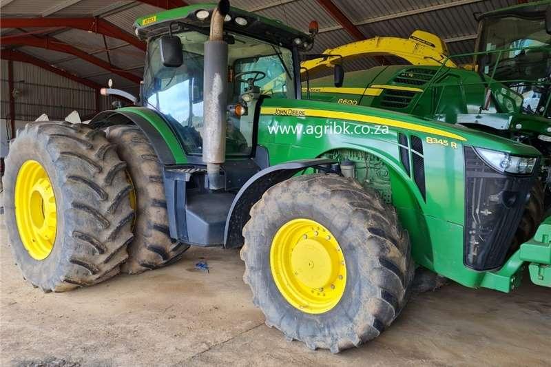 4WD tractors John Deere 8345 R Tractors