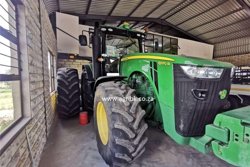 4WD tractors John Deere 8370 R Tractors