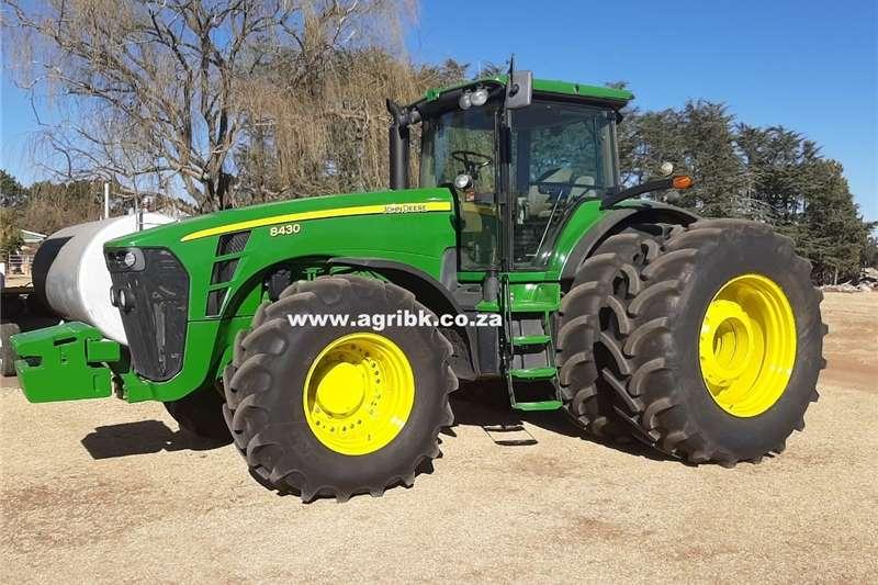 4WD tractors John Deere 8430 Tractors