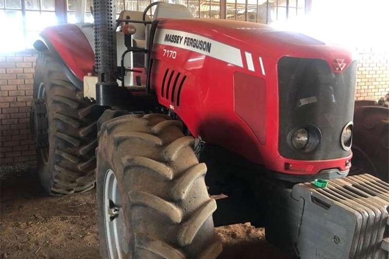 4WD tractors Massey Ferguson 7120 Tractors