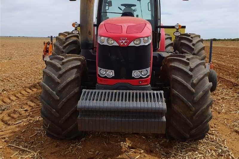 4WD tractors Massey Ferguson 8670 Suspension Cab Tractors
