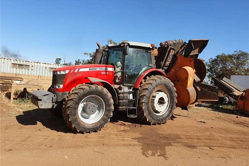4WD tractors Massey Ferguson 8690 Tractors