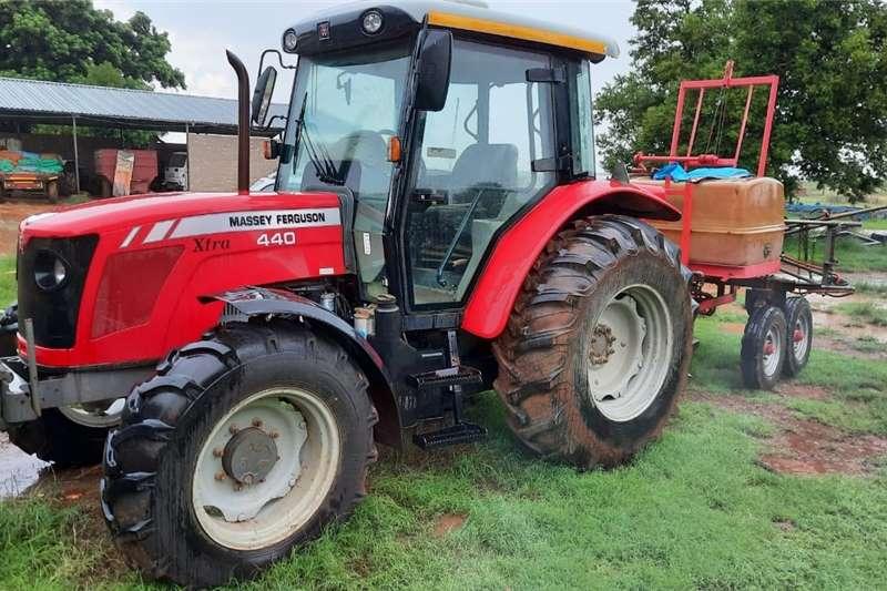 4WD tractors Massey Ferguson (MF) 440 4x4 Tractors