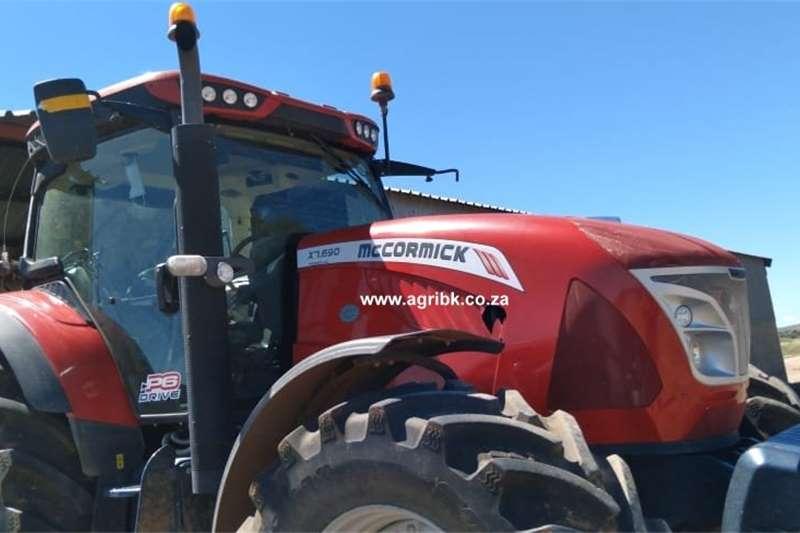 4WD tractors McCormick X7.690 Tractors