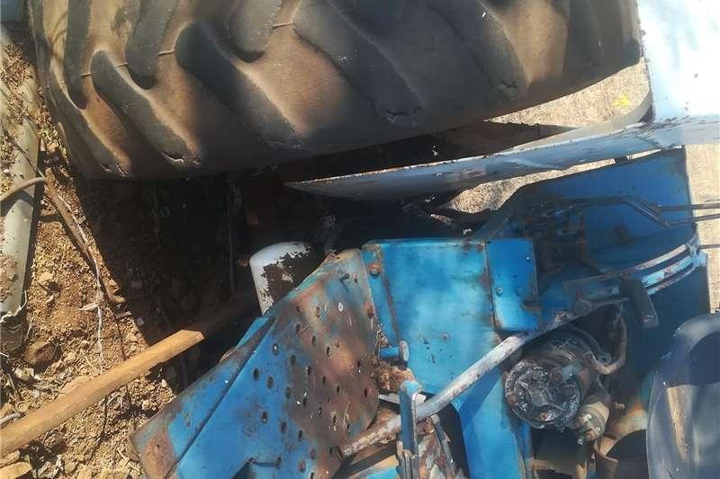 4WD tractors New Holland 6640 4x4 Tractors