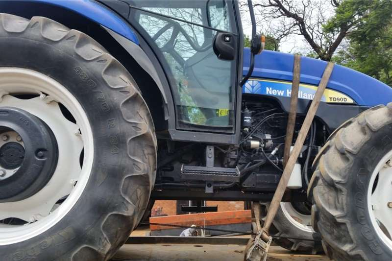 4WD tractors New Holland TD 90D 4x4 Pre Owned Tractor Tractors