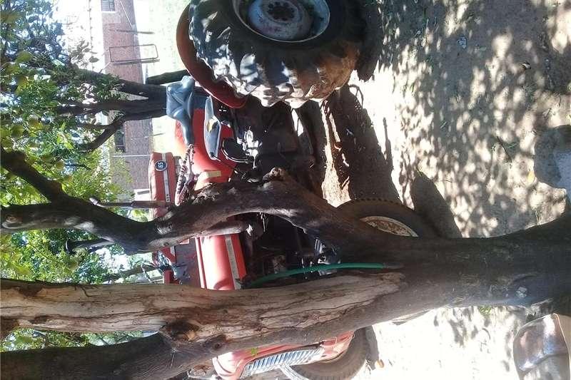 4WD tractors Selling Tractors