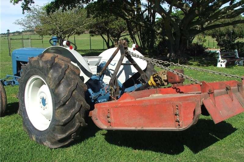 Tractors Antique tractors Fordson Dexta 1963