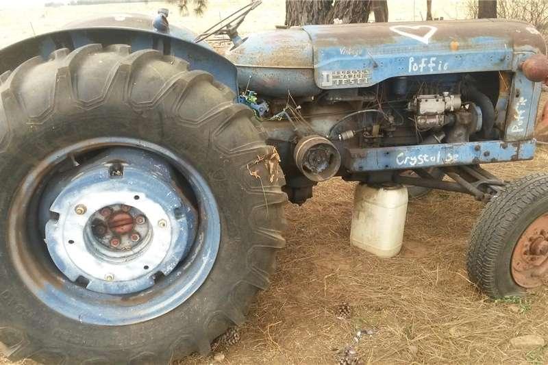 Antique tractors fordson major Tractors