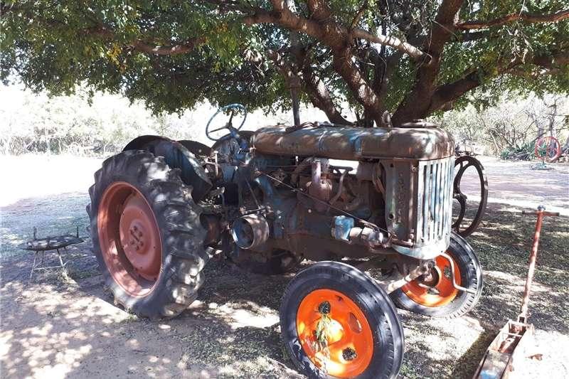 Tractors Antique tractors Fordson Major Blue Bottle