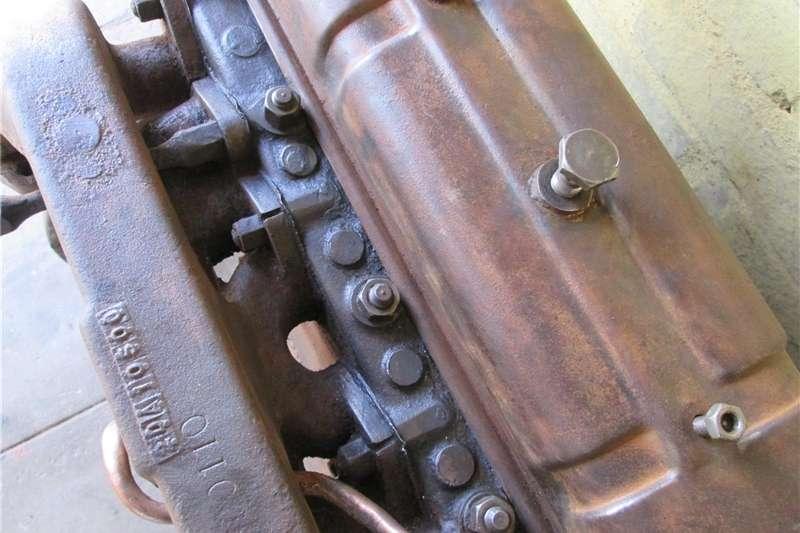 Tractors Antique tractors MF Vaaljapie tractor engine (#1 of 2), Massey Harr