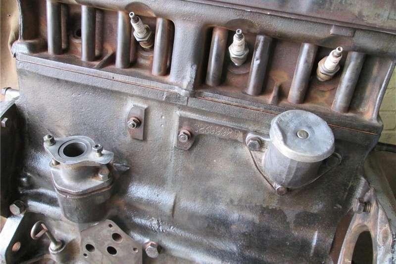 Tractors Antique tractors MF Vaaljapie tractor engine (#2 of 2), Massey Harr 1950