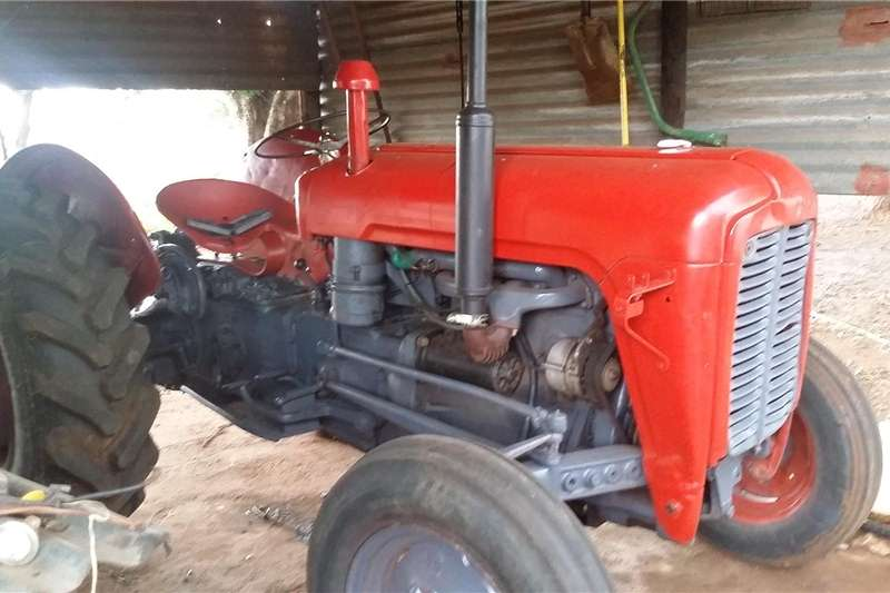 Tractors Compact tractors MF 35x Tractor in very good condition