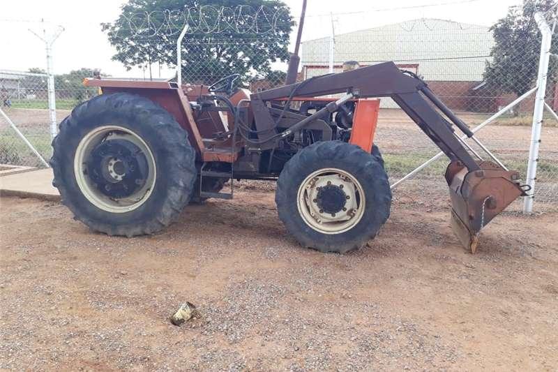 Four wheel drive tractors fiat 780 4x4 trekker met laaigraaf Tractors