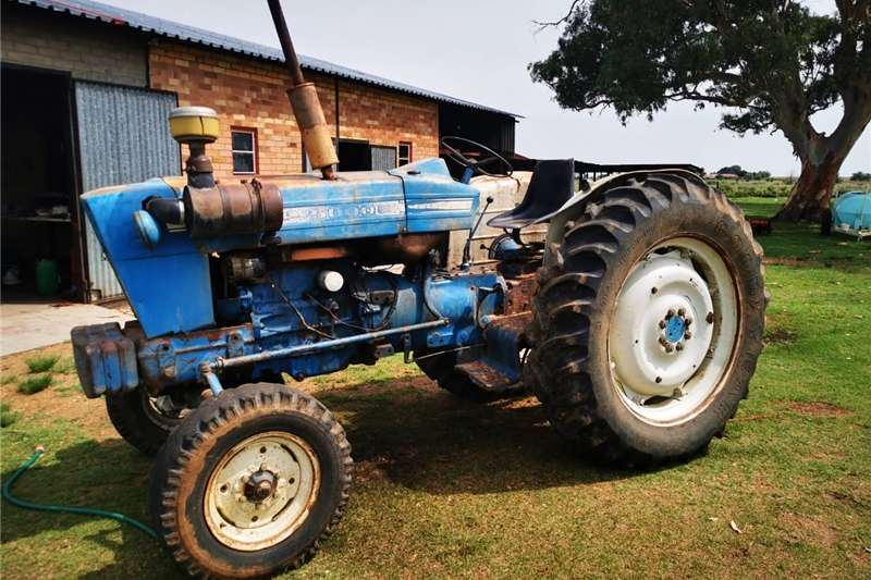 Tractors Four wheel drive tractors Ford 5000