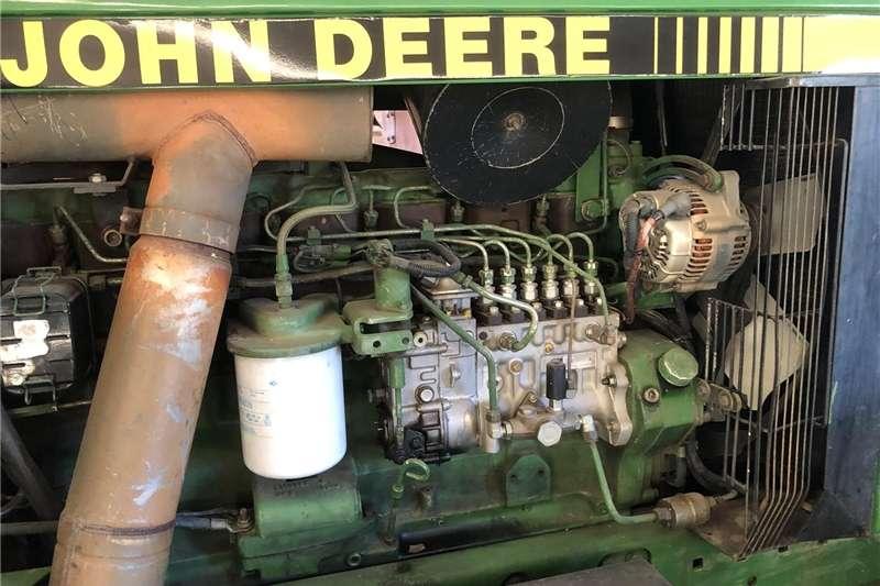 Four wheel drive tractors John Deere 4960 in very good condition Tractors