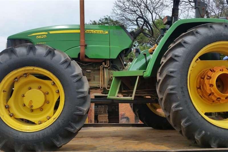 Four wheel drive tractors John Deere 5625 4x4 Pre Owned Tractor Tractors