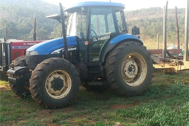Tractors Four wheel drive tractors NHTD85D