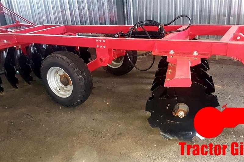 Other tractors 9X9 HYDRAULIC DISC HARROW Tractors