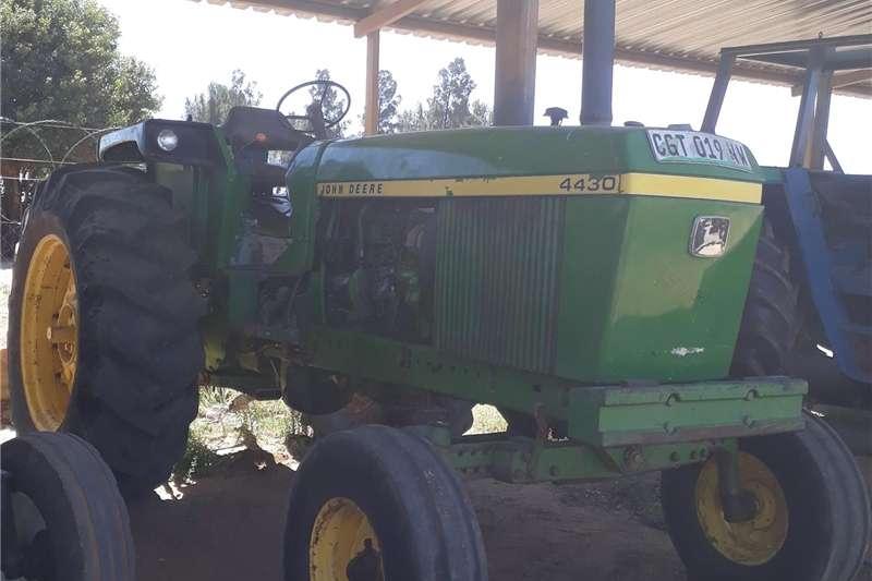 Other tractors John Deere 4430 Trekker Tractors