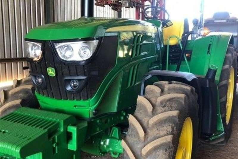 Other tractors John Deere 6125M Tractors