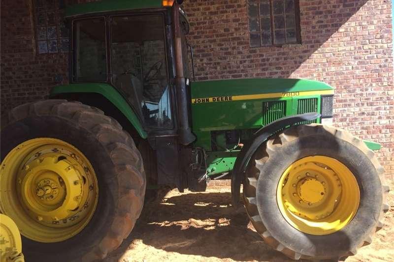 Other tractors John Deere 7800 Tractors