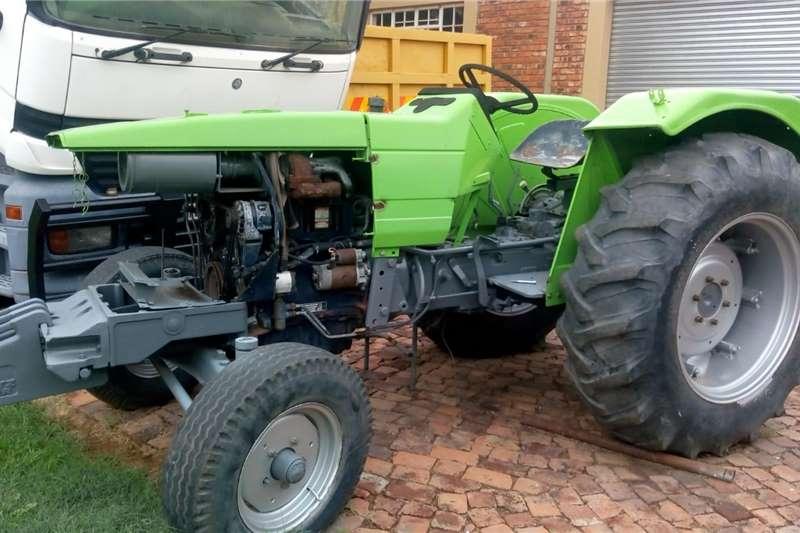 Other tractors Tractor Deutz FAHR DX350 Tractors