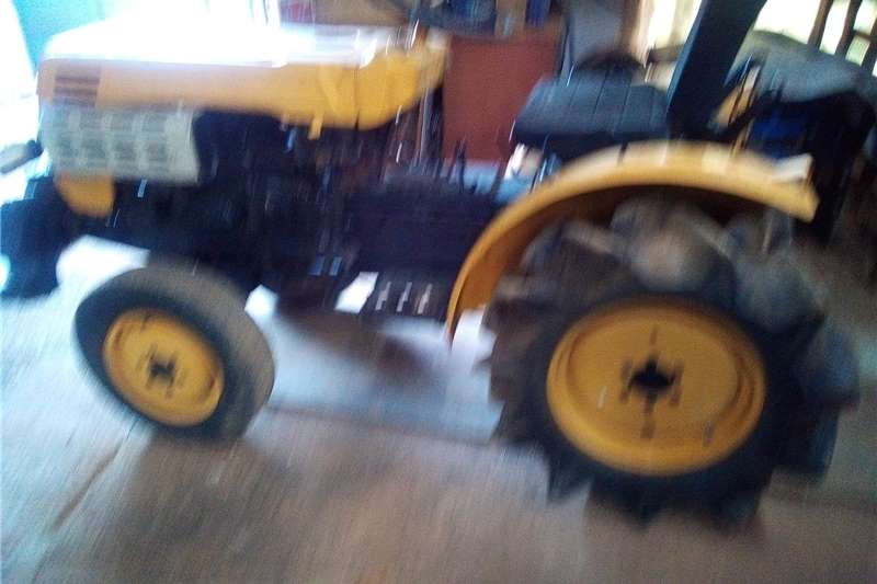 Other tractors Tractor utility Tractors
