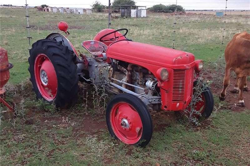 Other tractors Vaal Japie tractor Tractors