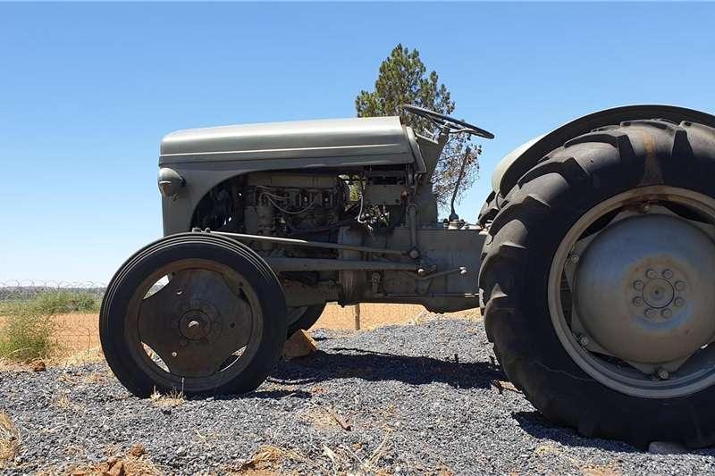 Tractors Other tractors Vaal Japie   werkende toestand