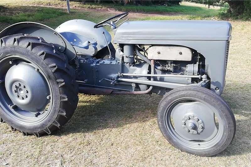 Other tractors Vaaljapie Tractors