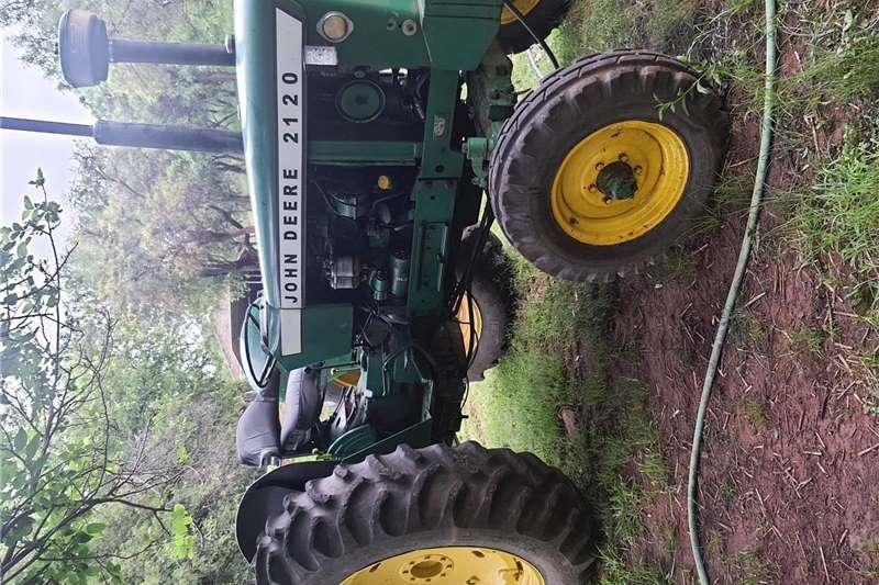 Other tractors very good condition power steering start and go Tractors