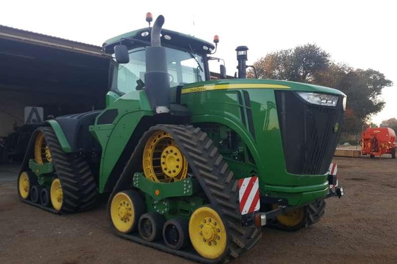 Tracked tractors H&C Tweedehanse Trekkers en PlaasImplemente Tractors