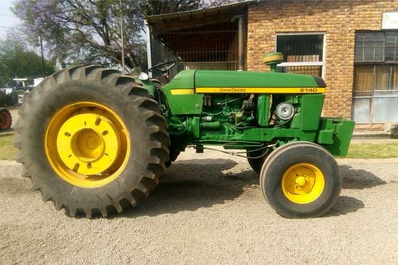 Tractors Two wheel drive tractors Green John Deere 2140 61kW/80Hp 2x4