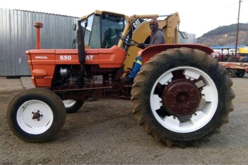 Tractors Two wheel drive tractors S3089 Orange Fiat 650 48kW 2x4 Pre Owned Tractor