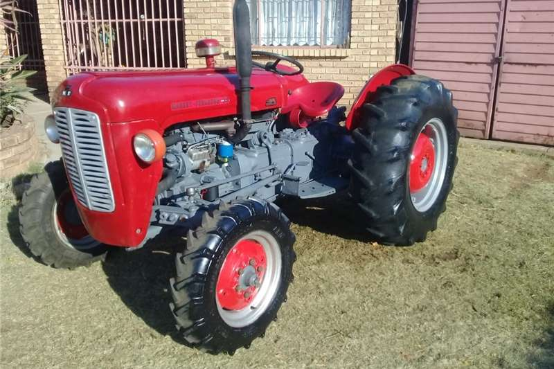 Tractors Two wheel drive tractors S3343 Red Massey Ferguson (MF) 35X 2x4 Pre Owned T