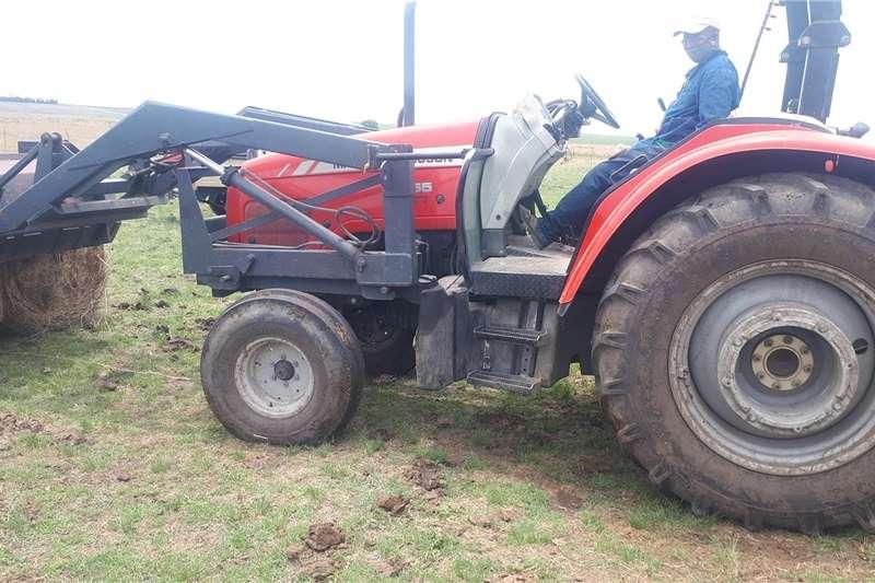Utility tractors Massey furgeson 5455 Tractors