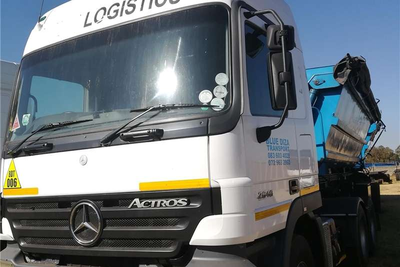 Trucks Double axle ACTROS WITH TRAILER 2006