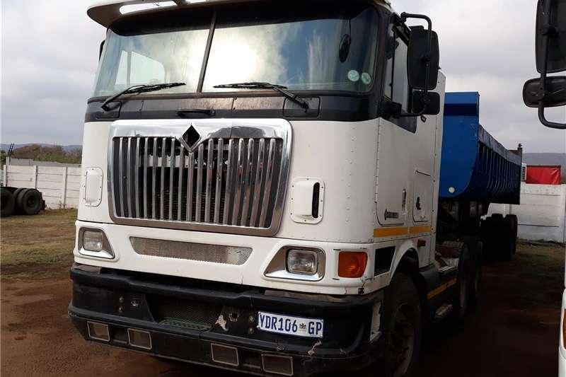 Trucks Double axle International Eagle 9800I 6X4 AUTO SHIFT 2004