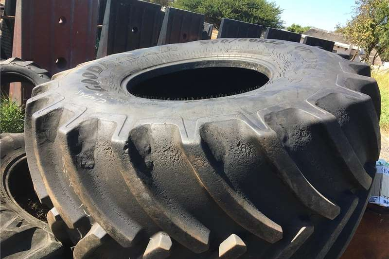 Retread Havester Tyre Good Year 900/60R32 Tyres