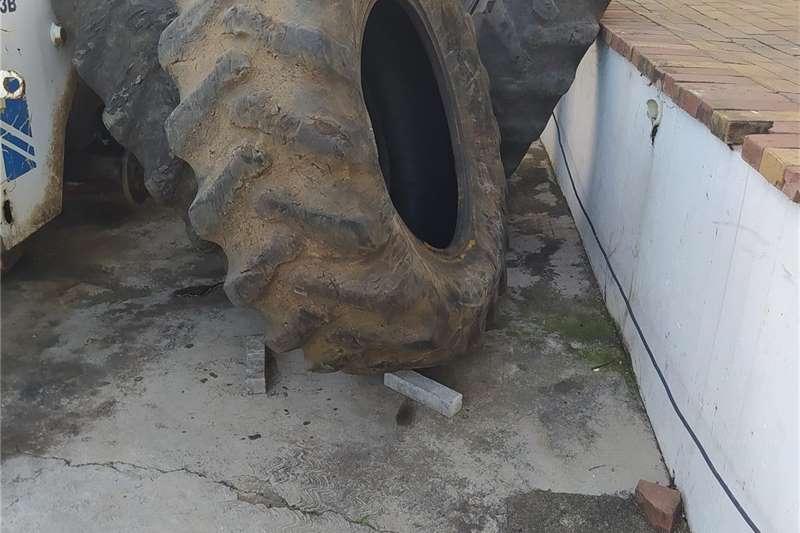 Retread Tractor Tyres 18/4/30 15/30 Tyres