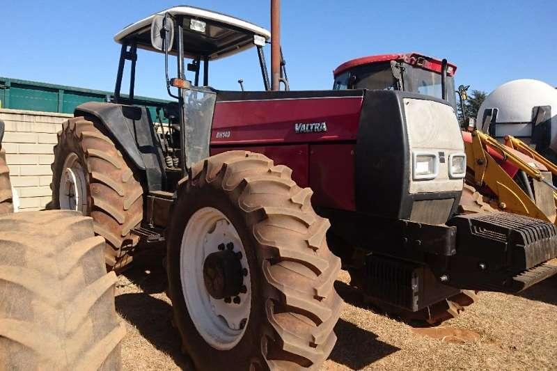 Valtra Tractors BH140   140 kw 2002