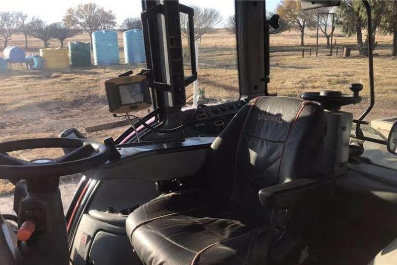 Valtra valtra 213 versu Tractors
