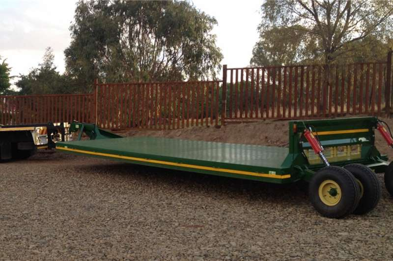 Van Zyl Staalwerke Carts and wagons IMPLEMENT WERKTUIG 10M   V104, 9M V105 Agricultural trailers