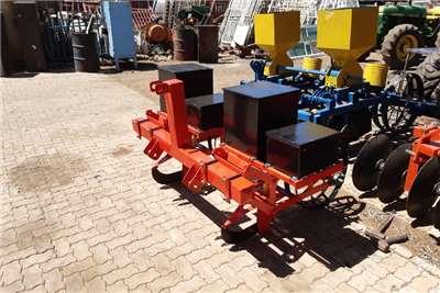 Vincs Drawn planters New 2 Row Planter Planting and seeding equipment